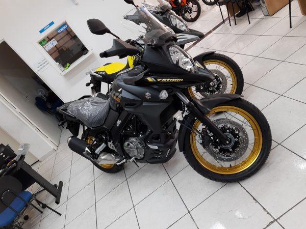 V-STROM 650 XT BLACK